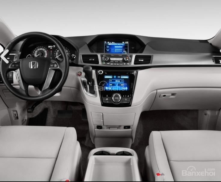Đánh giá xe Honda Odyssey 2018: Nội thất xe sang trọng.