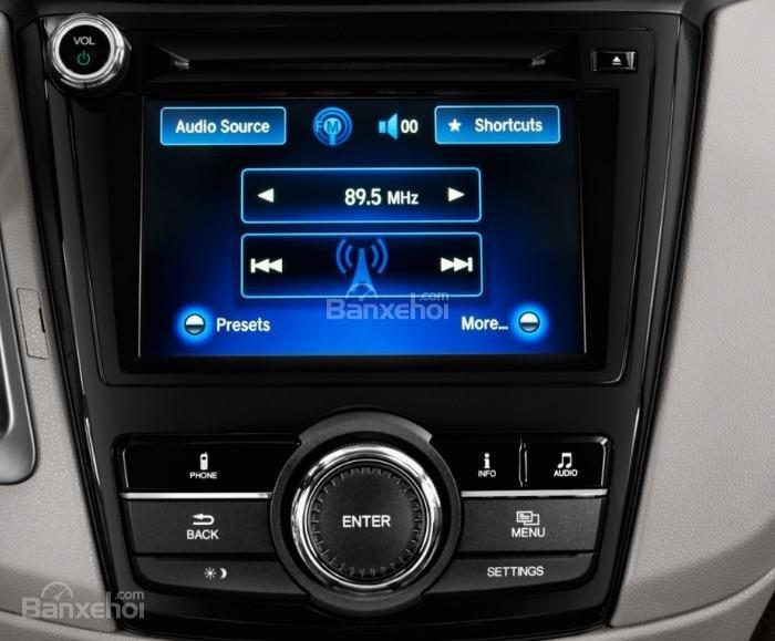 Đánh giá xe Honda Odyssey 2018: Xe được tích hợp nhiều tiện ích.
