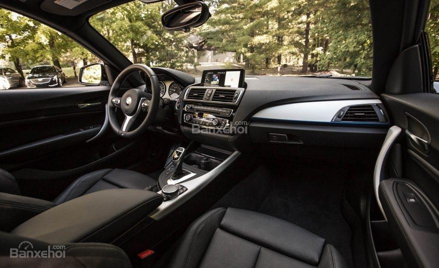 Khoang nội thất BMW 2-Series 2017 có giao diện hấp dẫn, nhiều chức năng a1