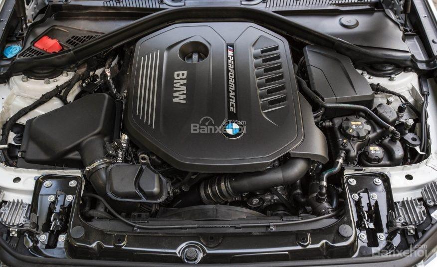 BMW 2 Series 2017 có 2 lựa chọn của động cơ tăng áp 2 lít bốn xi-lanh và tăng áp 3 lít I6.