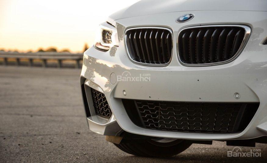 Đánh giá xe BMW 2-Series 2017: Thiết kế lưới tản nhiệt đặc trưng nhà BMW.