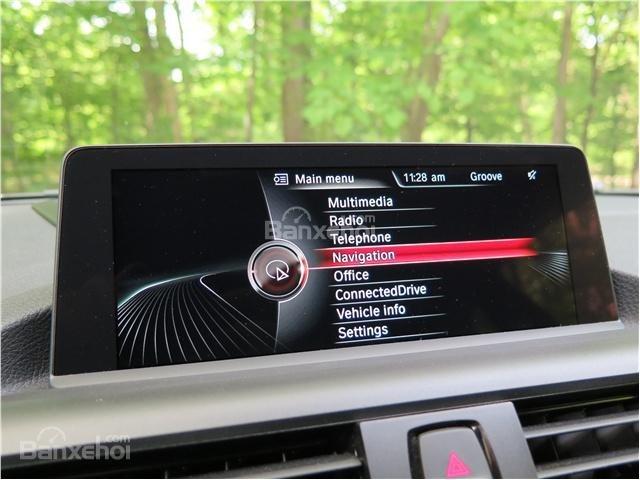 BMW 2-Series 2017 sở hữu hệ thống thông tin giải trí BMW iDrive với nhiều thiết lập khác nhau a2