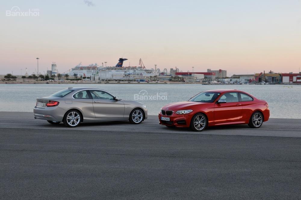 Đánh giá xe BMW 2-Series 2017: Đường roofline là một trong những điểm nhấn tạo nên vẻ sang trọng cho xe.