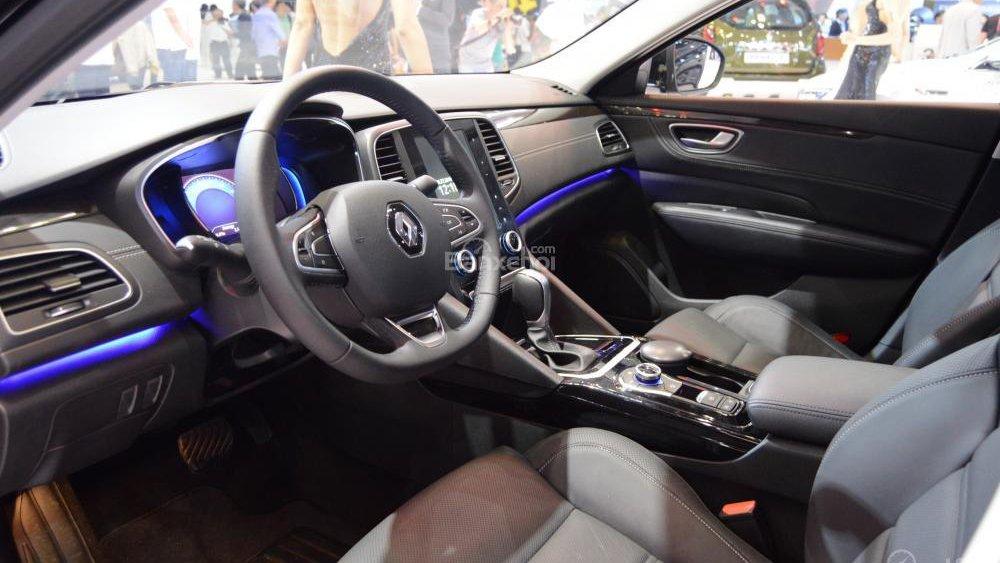 So sánh nội thất xe Renault và Toyota Camry: tân binh đại thắng 2