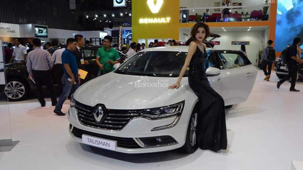 So sánh xe Toyota Camry và Renault Talisman - Xe phổ thông và xe sang 1