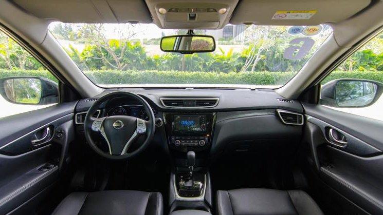 Nissan X-Trail và Mitsubishi Outlander Sport đều là 2 mẫu xe có thể tích nội thất lớn nhất phân khúc.