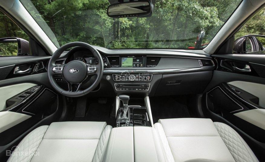Đánh giá xe Kia Cadenza 2017: Nội thất xe sang trọng.