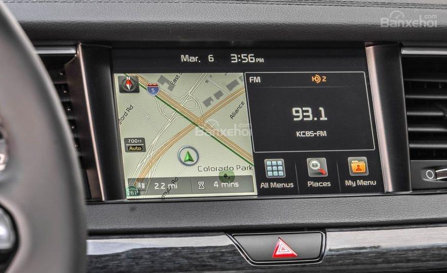 Đánh giá xe Kia Cadenza 2017: Xe được tích hợp nhiều tiện ích.