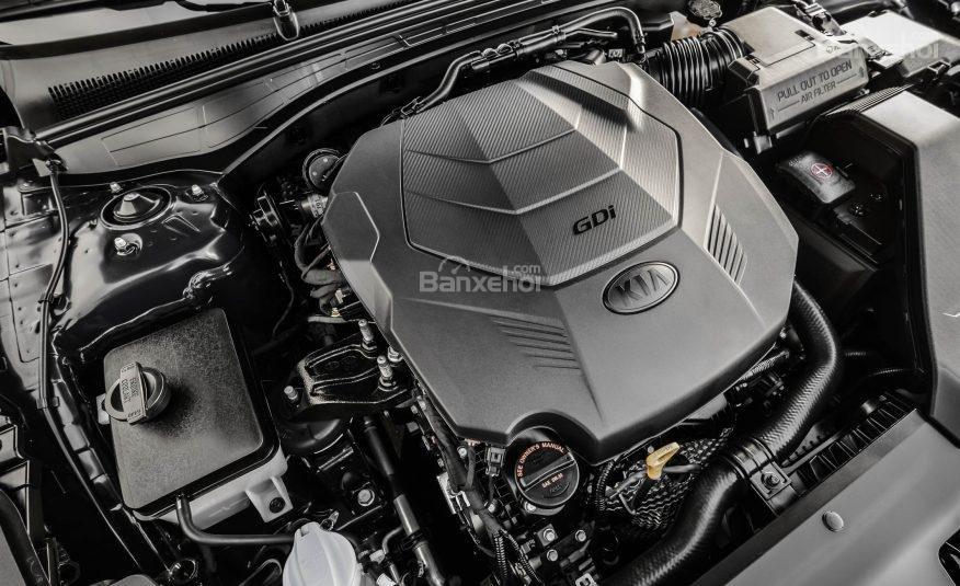 Đánh giá xe Kia Cadenza 2017: Xe được trang bị động cơ V6.