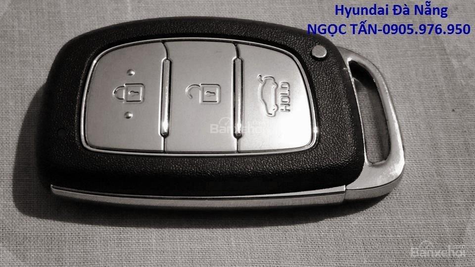 Hyundai Đà Nẵng **0905.976.950** bán xe Hyundai Grand i10 Sedan số sàn đời 2019, màu trắng, nhập khẩu CKD-3