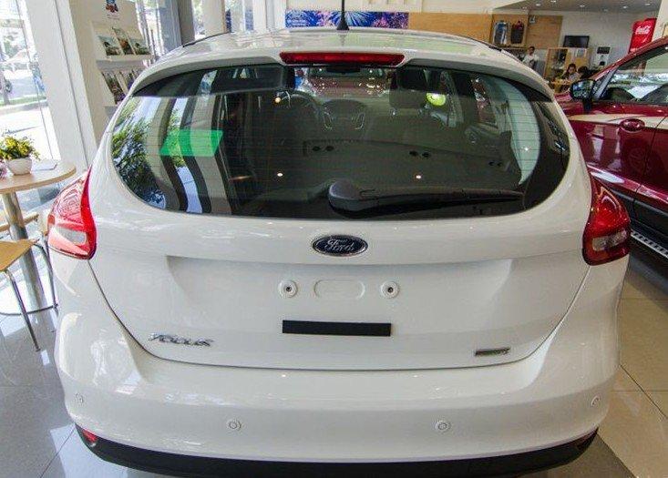 """Đánh giá xe Ford Focus 2017: Camera lùi đã """"biến mất"""" khỏi đuôi xe 1"""