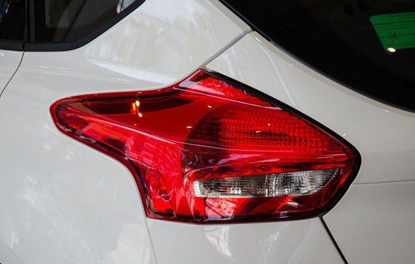 Đánh giá xe Ford Focus 2017: Cụm đèn hậu 1