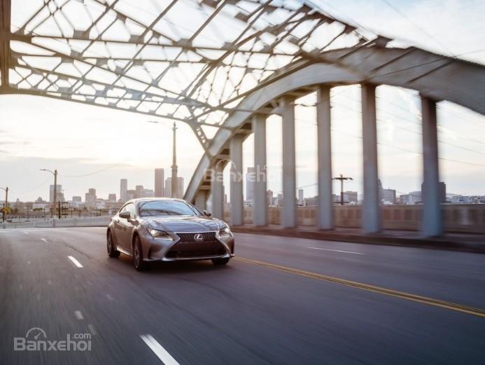Đánh giá xe Lexus RC 2017: Mẫu coupe thể thao, phong cách hấp dẫn bậc nhất trong phân khúc.