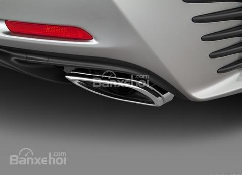 Đánh giá xe Lexus RC 2017: Ống xả đơn.
