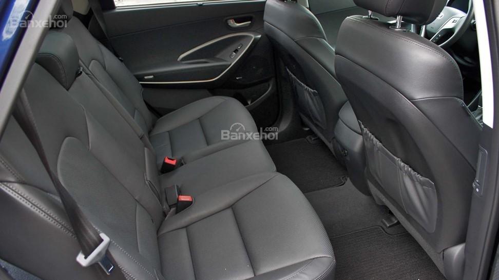 So sánh xe Hyundai Santa Fe 2017 và Kia Sorento 2017 về hệ thống ghế ngồi A3