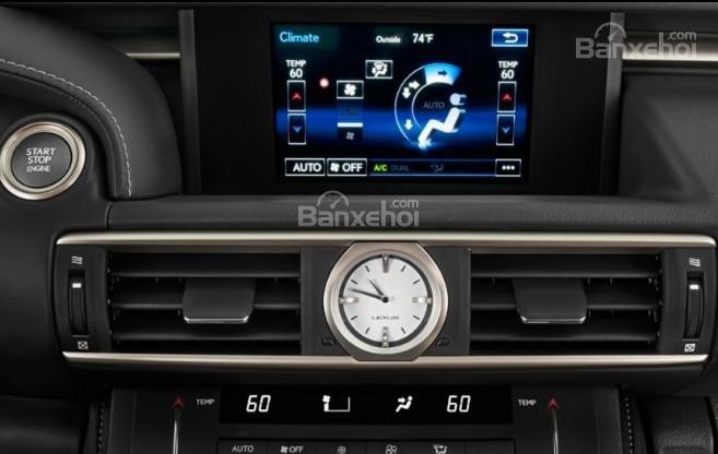 Đánh giá xe Lexus RC 2017: Xe sở hữu nhiều tính năng hữu ích.