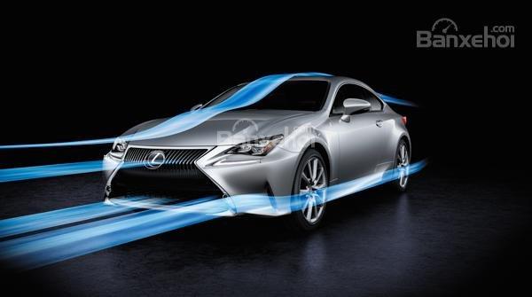 Đánh giá xe Lexus RC 2017: Xe sở hữu các tính năng hữu ích.