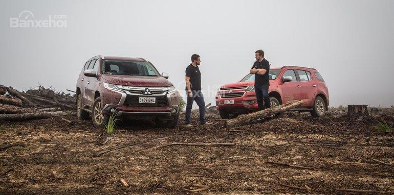 Mitsubishi Pajero Sport 2017 đã giành chiến thắng trước đối thủ Holden Trailblazer 2017.