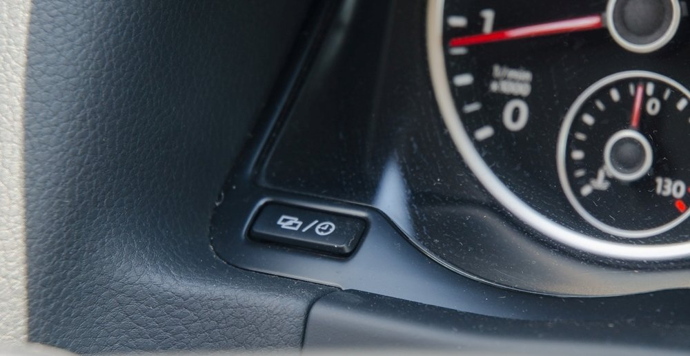 Đánh giá xe Volkswagen Tiguan 2016 về bảng đồng hồ lái