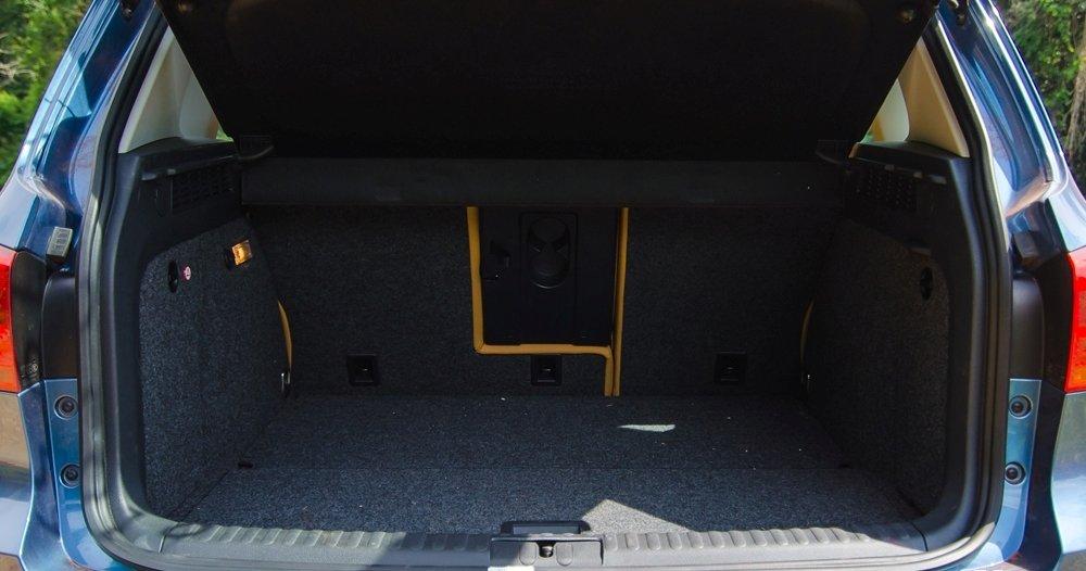 Đánh giá xe Volkswagen Tiguan 2016 về không gian chứa đồ a3