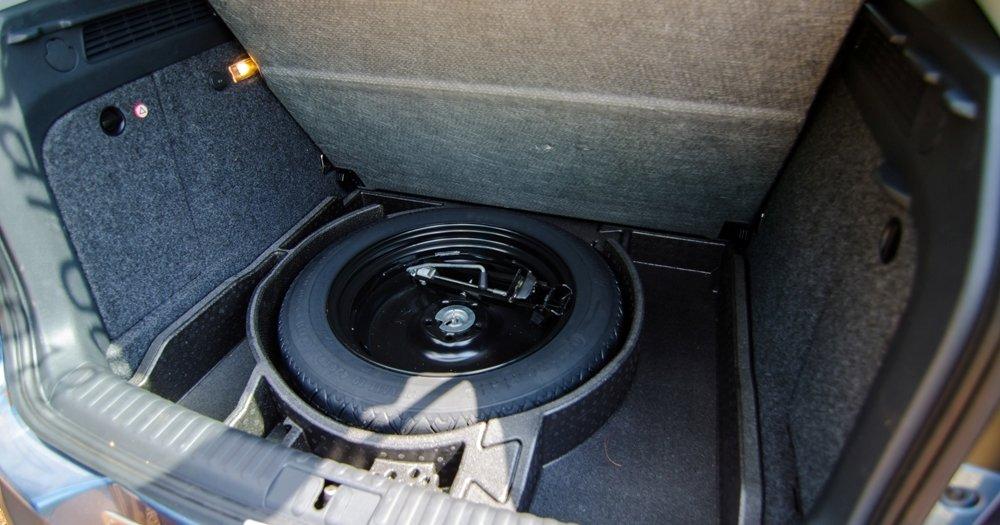 Đánh giá xe Volkswagen Tiguan 2016 về không gian chứa đồ a4