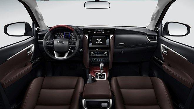 So sánh nội thất Toyota Fortuner 2017 và Mitsubishi Pajero Sport 2017 - Tiền nào của nấy 2