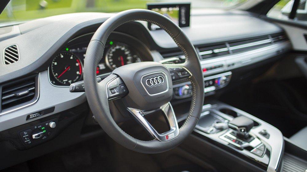 So sánh xe Audi Q7 2016 và Audi Q7 2016 về nội thất: Xe Đức toàn thắng 3