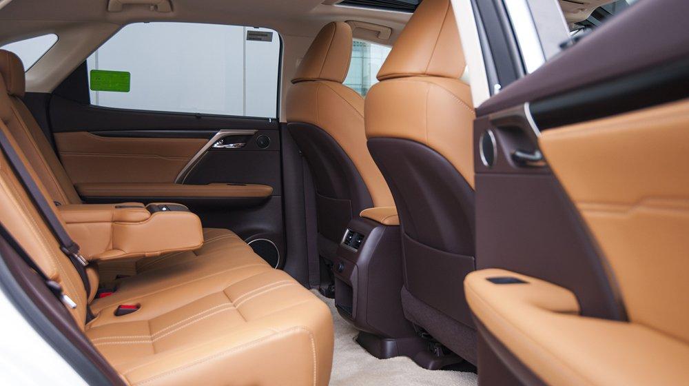 Thiết kế ghế ngồi của Lexus RX được cho là thông minh và vô cùng tiện dụng.