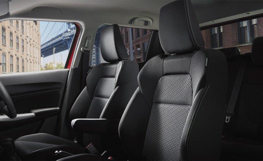 Đánh giá xe Suzuki Swift 2017: Tựa đầu của hàng ghế trước 1