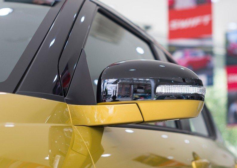 Đánh giá xe Suzuki Swift 2017: Kính chiếu hậu gập, chỉnh điện 1