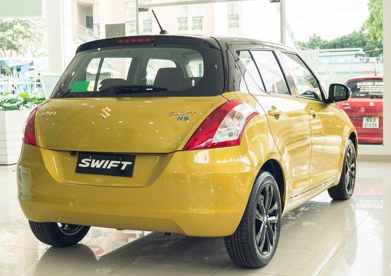 Đánh giá xe Suzuki Swift 2017 về thiết kế đuôi xe 1