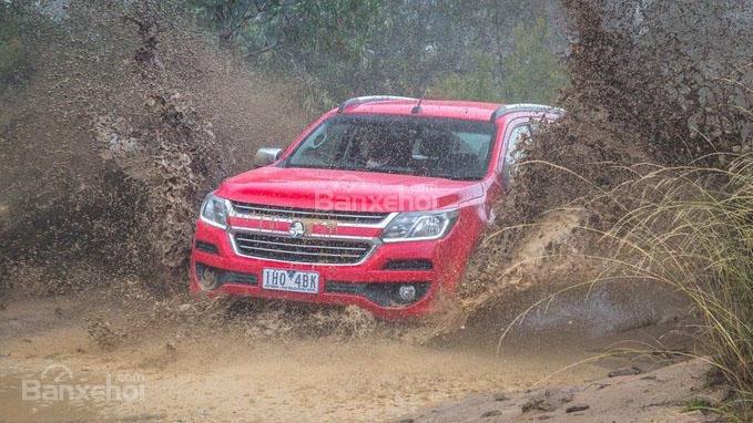 Về mặt tổng thể, Chevrolet Trailblazer 2017 vận hành tốt hơn Mitsubishi Pajero Sport.