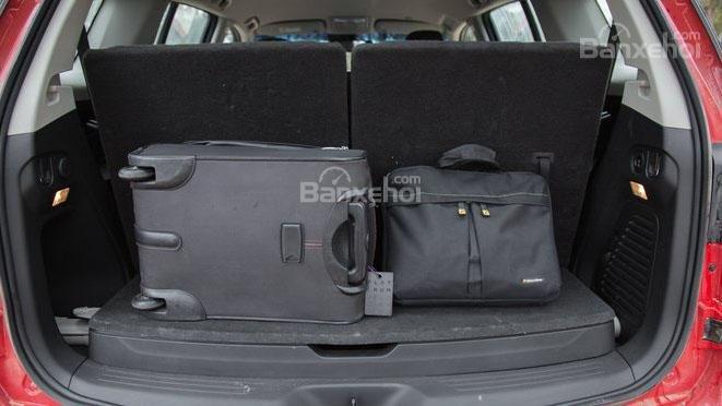 So sánh xe Mitsubishi Pajero Sport 2017 và Chevrolet Trailblazer 2017 về khoang hành lý a2