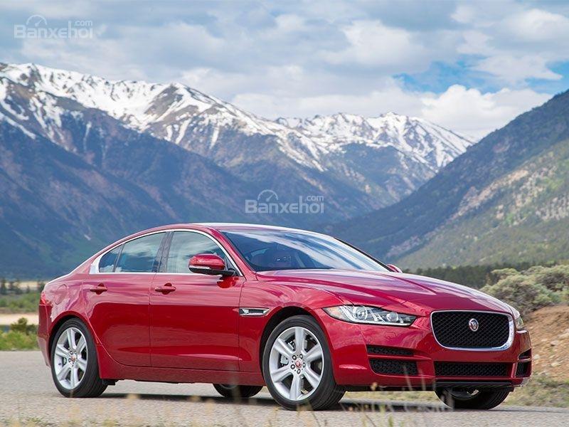 Điểm mặt 10 mẫu sedan thể thao cao cấp 9
