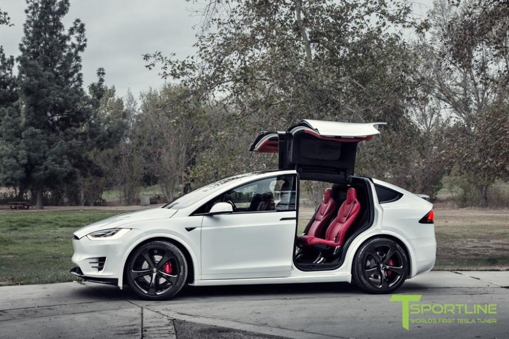 """Tesla Model X độ nội thất siêu sang nhà Bentley """"hét"""" giá 180.000 USD a6"""