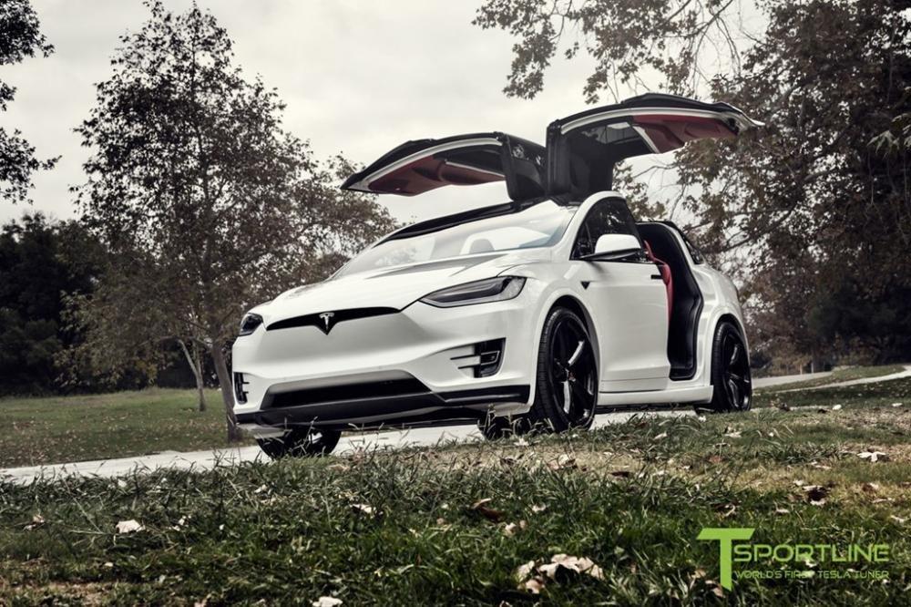 """Tesla Model X độ nội thất siêu sang nhà Bentley """"hét"""" giá 180.000 USD a1"""