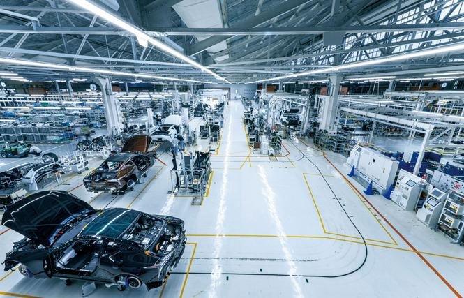 Cận cảnh dây chuyền sản xuất mẫu coupe hạng sang Lexus LC 500 1