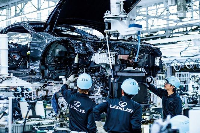 Cận cảnh dây chuyền sản xuất mẫu coupe hạng sang Lexus LC 500 3