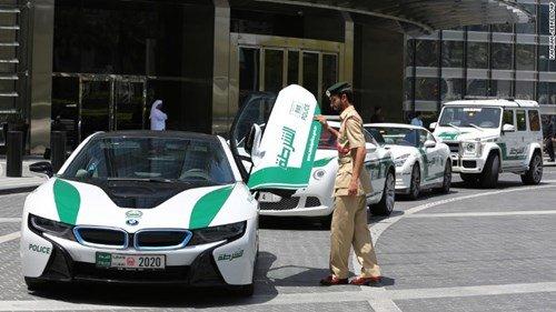 Siêu xe cảnh sát tại Dubai.
