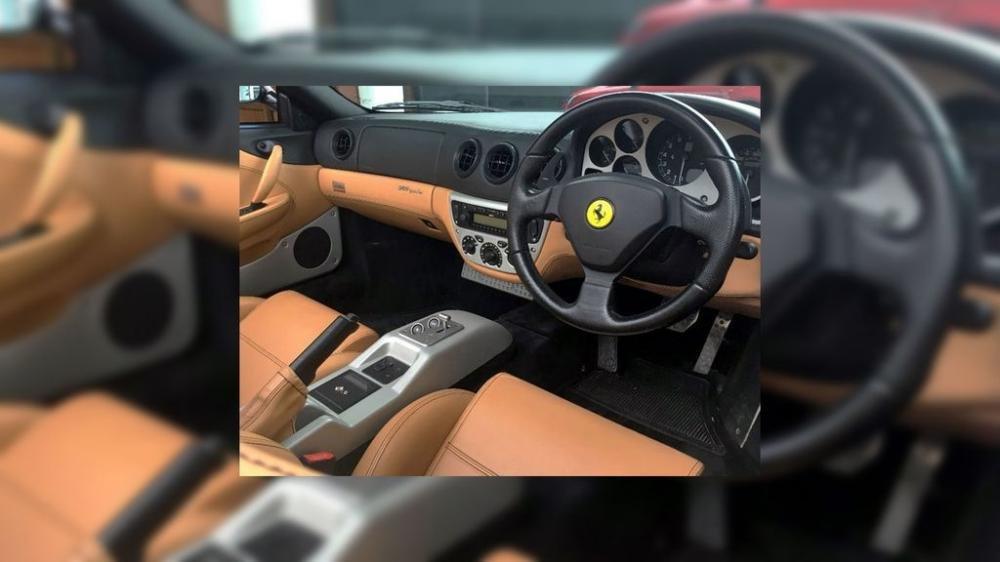 Ferrari 360 Spider của David Beckham lên sàn đấu giá, hét 2,7 tỷ đồng 3