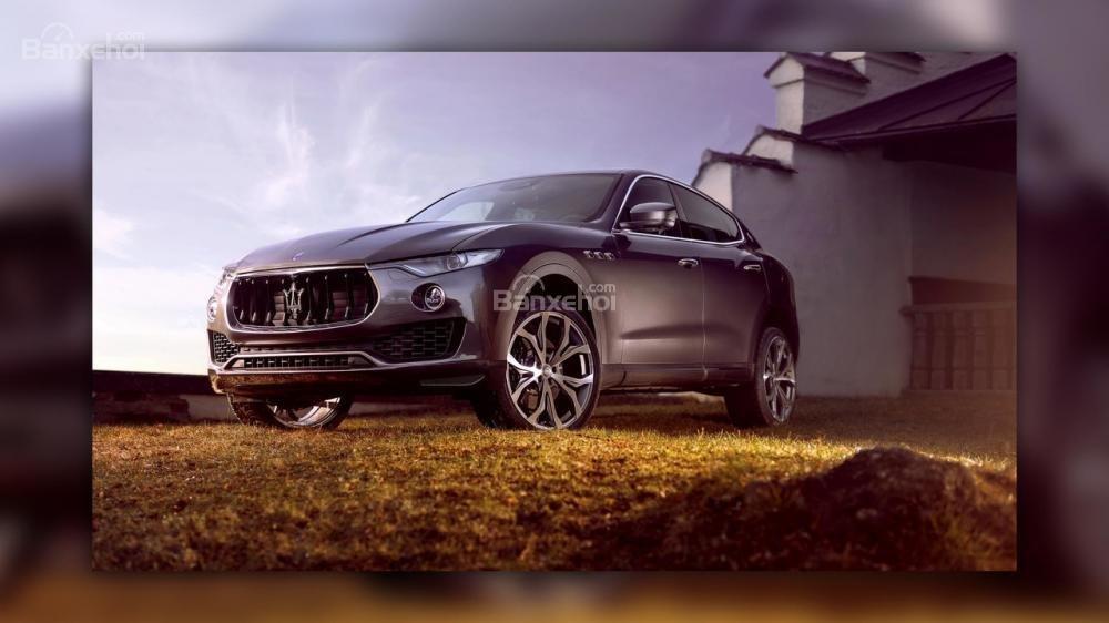 Maserati Levante nâng cấp sở hữu thân xe carbon và động cơ mạnh mẽ hơn.