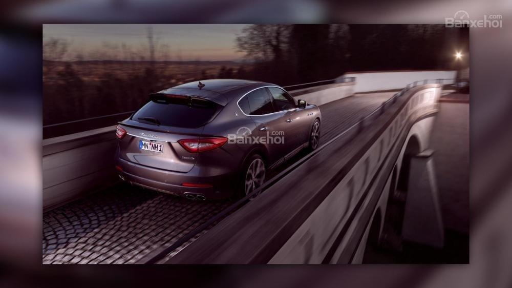 Maserati Levante nâng cấp sở hữu thân xe carbon và động cơ mạnh mẽ hơn 5