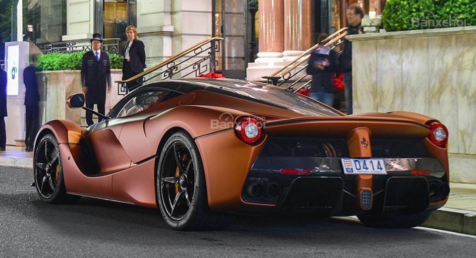 Choáng váng với Ferrari LaFerrari phiên bản mạ đồng 1