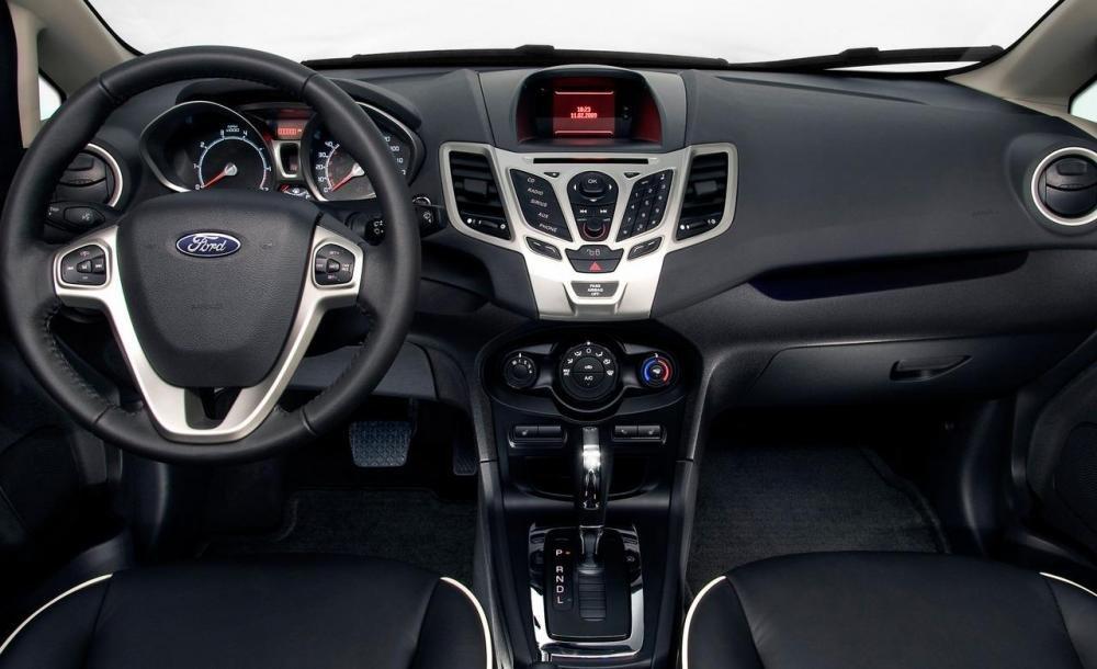 Thiết kế nội thất của Ford Fiesta 2016 theo phong cách trẻ trung, hướng đến khách hàng trẻ tuổi 1