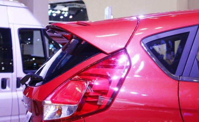 Đánh giá xe Ford Fiesta 2016: Cụm đèn hậu có nhiều điểm tương đồng với Fiesta 2011 1