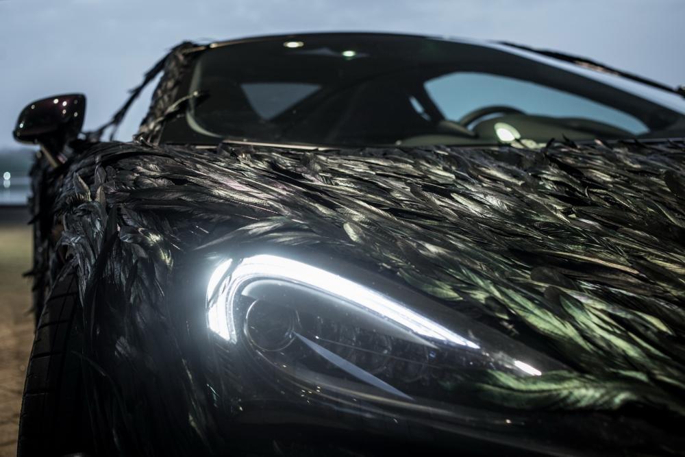 """McLaren 570GT hóa """"quạ đen"""" dị khó tả 7"""