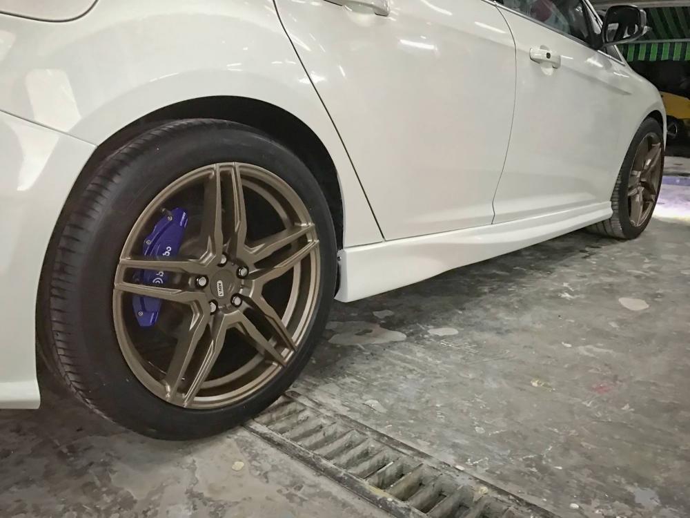 """Ford Focus """"lột xác"""" với gói độ bodykit RS của dân chơi Sài Gòn 13"""
