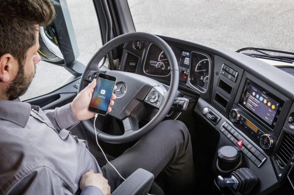 Mercedes-Benz sẽ tích hợp công nghệ kết nối điện thoại thông minh cho những chiếc xe tải - ảnh 5