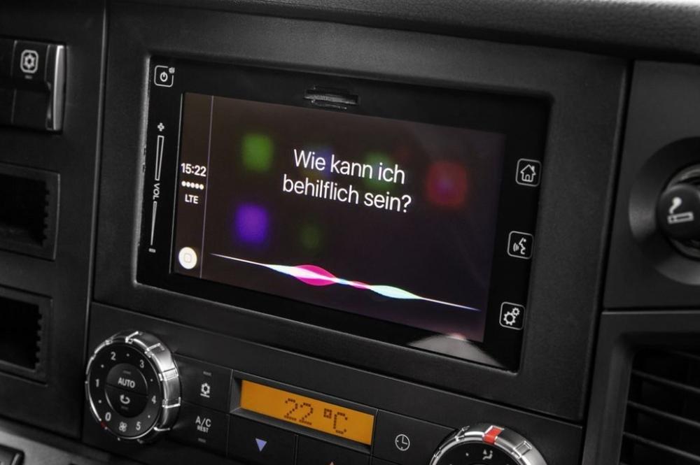 Mercedes-Benz sẽ tích hợp công nghệ kết nối điện thoại thông minh cho những chiếc xe tải - ảnh 3