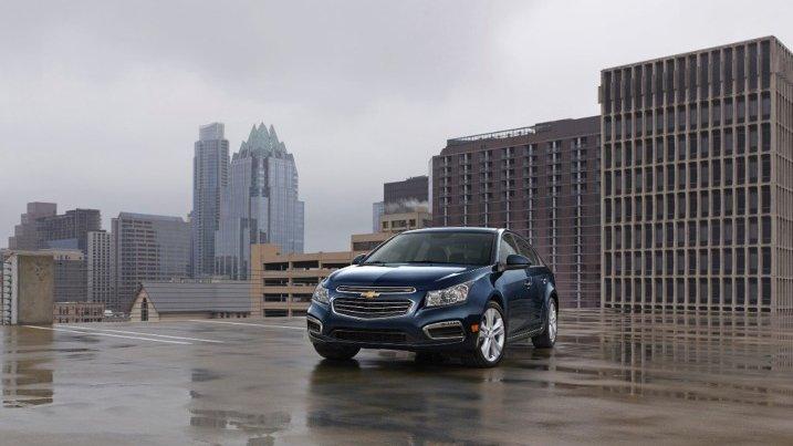 So sánh xe Chevrolet Cruze và Hyundai Elantra: Xe Hàn lên ngôi 2